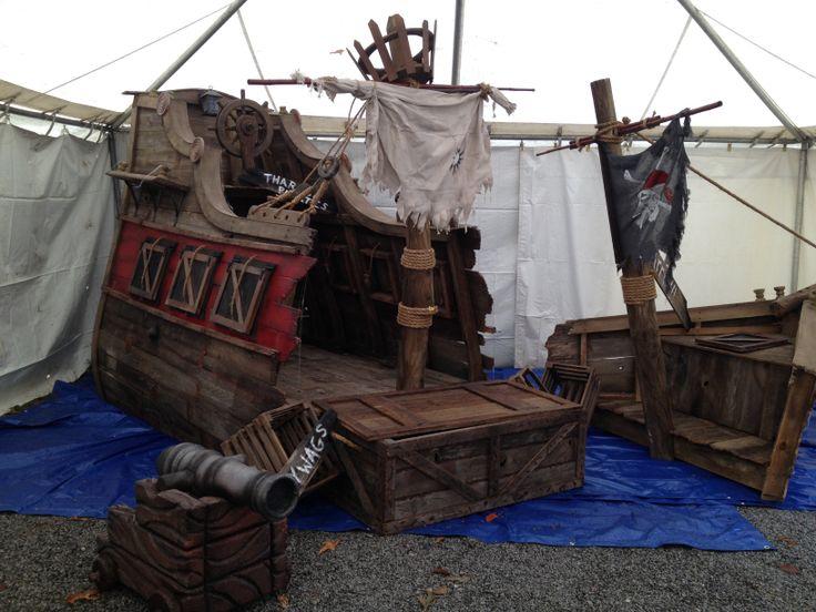 609 best pirate theme haunt ideas images on pinterest - Decoration pirate des caraibes ...