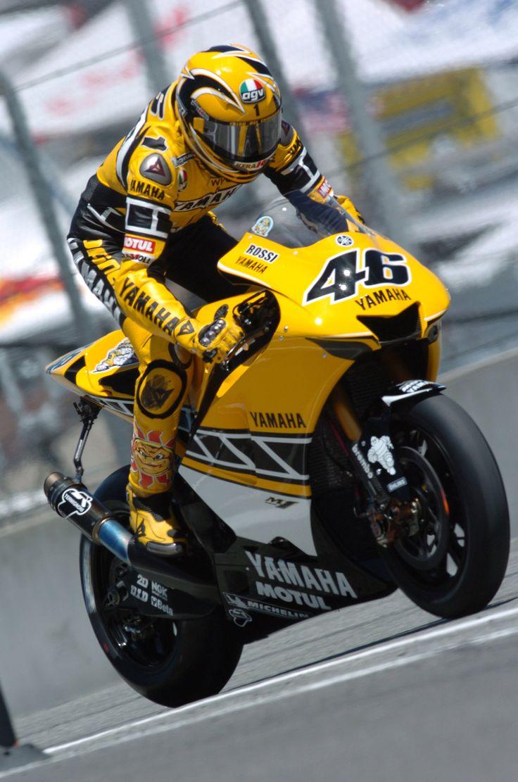 motoGP2005 USA GP Laguna Seca YAMAHA FACTORY RACING Valentino Rossi YAMAHA YZR-M1