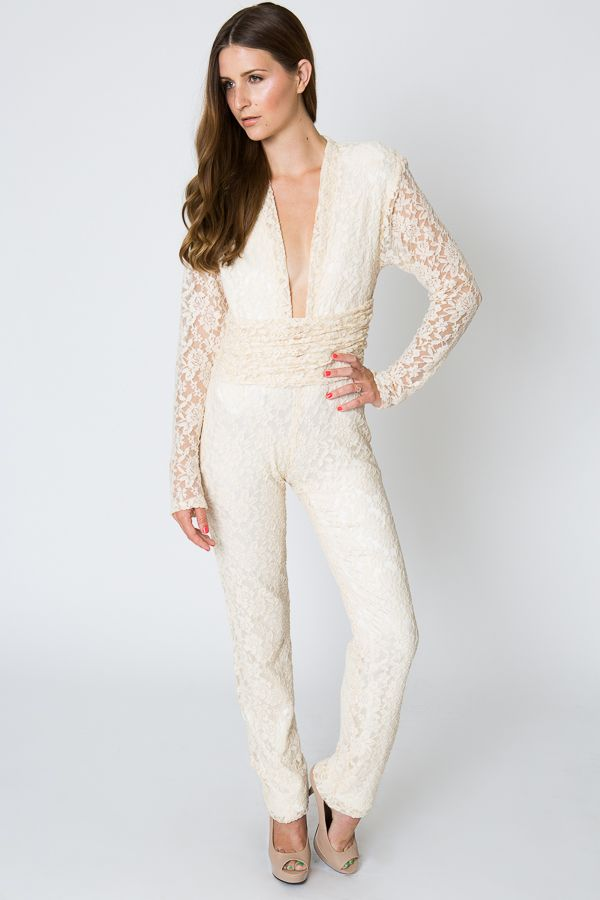 long-sleeve-lace-jumpsuit-alternative-wedding-look