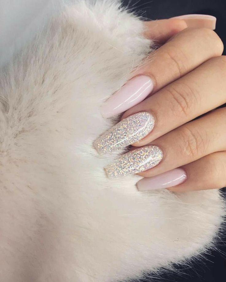 Nails/uñas Nude, brillos, rosa pastel