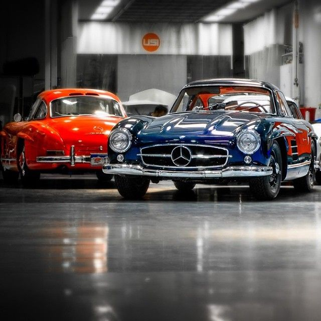 Mercedes Benz #300SL. Red vs. Blue. Seen on: http://instagram.com/p/u_fkZhy3gj/?crlt.pid=camp.u2NGEqNpf8aM