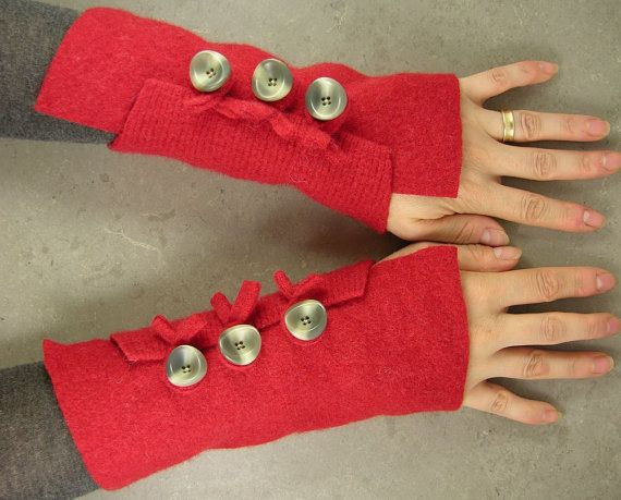 felted arm warmers fingerless mittens arm cuffs by @piabarile http://etsy.me/rrMBhs via @Etsy #arm_warmers #fingerless_mittens #arm_cuffs $25