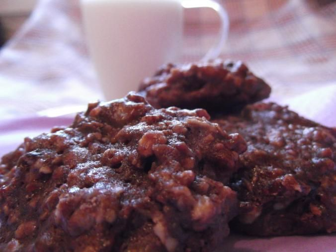 Prăjituri cu fulgi de ovăz şi smochine surprinzător de gustoase. Intraţi să vedeţi cum le puteţi găti.