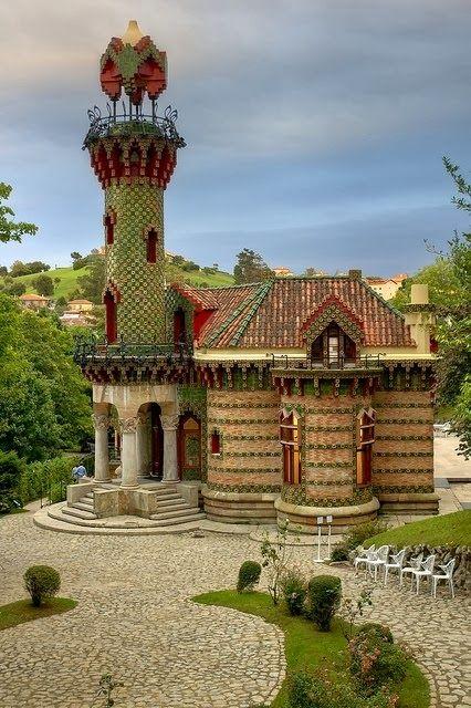 El Capricho de Gaudí - Cantabria, Spain; designed in 1883   Catalan Antoni Gaudí. Localidad de  COMILLAS.