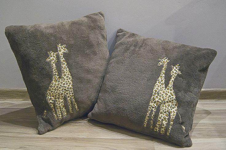 Żyrafy wolą brąz. #zyrafa #poduszka #sypialnia #salon #zwierze #tkanitka