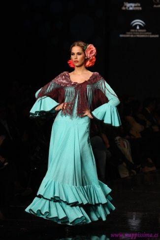 フラメンコ Flamenco Colección Universo de colores por  Rocío Peralta en  SIMOF 2013