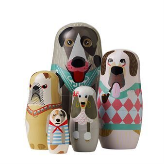 The Dog family from Superliving is a modern take on the classic Matrjosjka dolls. The nesting doll family is made up of five dogs, a large Labrador, a small Jack Russel, an angry Bull dog, a charming poodle and a pipe-smoking St. Bernard. A cute detail for both the living room or kids room.