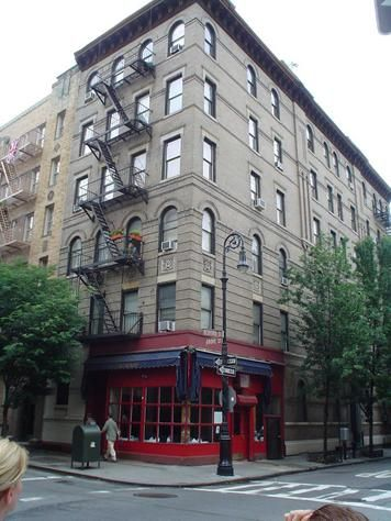 The apartment from F.R.I.E.N.D.S: This New York City property located at 90 Bedford Street in Manhattan and was built in 1900.