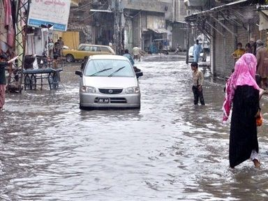"""""""We want water and food. We will die here.flood in pakistan 2015. Please drop some food packets,"""" latest news of india and pakistan.The Hindustan Times"""