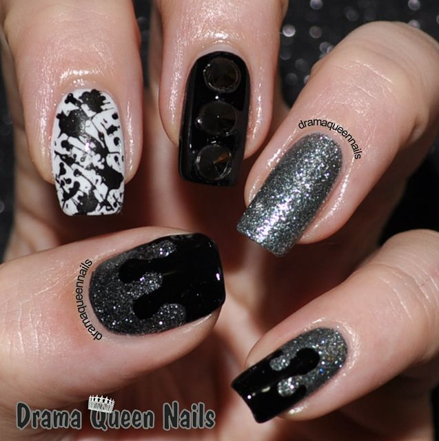 Black White Glitter Nail Art