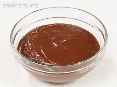 Crema pasticcera al cioccolato: Ricette Dolci | Cookaround