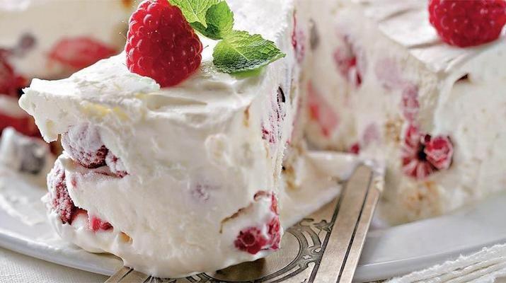Похвалитесь перед гостями своими кулинарными достоинствами, приготовив на десерт это чудное блюдо