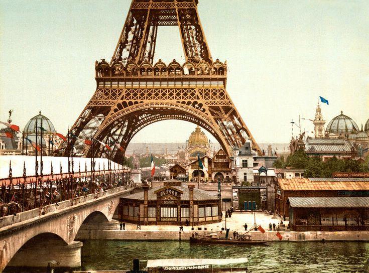 But for sure the Compagnie d' Establissments chose a good tech provider in 1889: Victorian Steam. http://baroquestone.com  #paris #iPad #Sony #Steampunk