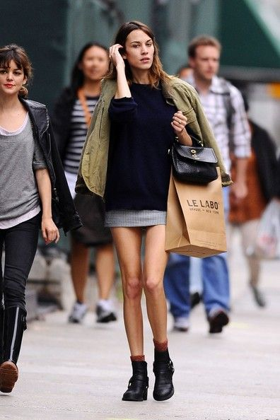 Alexa Chung - Loves the bag!!!