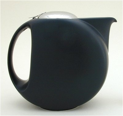 Half Moon Teapot in Matte Black by Zero Japanese.