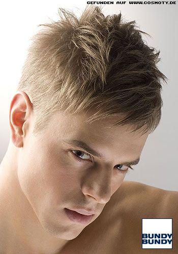 Leicht verwuschelter Short-Cut / Männer Beim Styling kann der Träger seiner Fantasie freien Lauf lassen. Denn mit dem passenden Finishprodukt ist vom Wetlook bis zu den aufgestellten Spitzen jede Variante möglich. Mit Stylingcremen oder Haarwachs erzielt jeder ganz mühelos den straighten Office-Look und Haargel oder Strukturpasten machen im Handumdrehen einen Rockstar aus Ihnen.