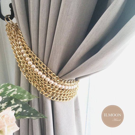 For You Who Love The Luxury Decorative Pieces To Boost Up Your Decor Luxury Glam With Gold Accents Is The Inspiration Of This Set It Also Sp In 2020 Curtain Tie Backs