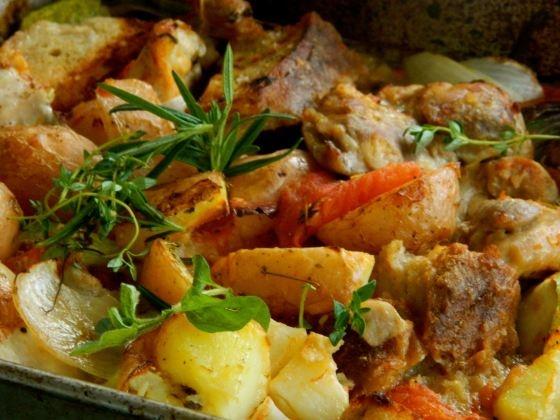 Chicken, oregano and tomato bake
