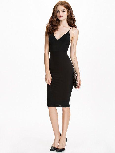 Cami Strap Slinky Mini Dress - Club L Essentials - Czarny - Sukienki Wieczorowe - Odziez - Kobieta - Nelly.com