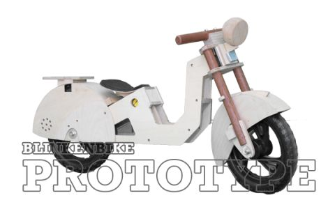 BLINKENBIKE Model Swan with Scooter Accessories