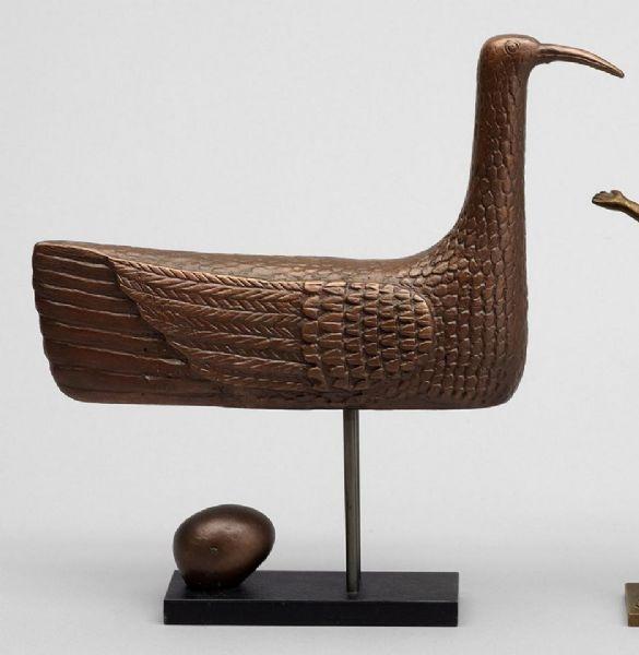 """STIG LINDBERG Skulptur, brons, """"Solfågeln"""", sign o numr 237. På metallplatta. H 28."""
