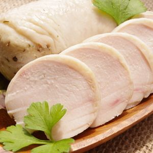 一度にハムとスープで2度美味しい!鶏胸肉のハムレシピ!