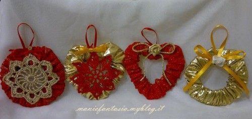addobbi natalizi facili economici cuori e cerchi di stoffa