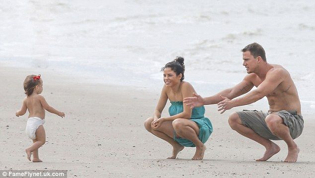 Channing Tatum spent a relaxing Sunday on Savannah beach with his wife Jenna Dewan and daughter Everly in Georgia http://dailym.ai/1rJuBAx