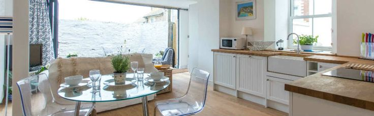 Couples will love The Giggle, a 5-star hotel-style apartment with a private courtyard, in a quiet location just a few steps away from Falmouth town centre.