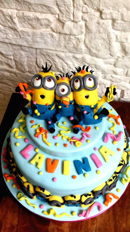 Questo è un piccolo catalogo con qualche immagine del repertorio proposto fino ad oggi per feste di compleanno e per bambini, dalla nostra cake design. In particolare torte con personaggi Disney, Pixar, Warner Bros,Dreamworks, Laika che fanno colore e perchè no, possono ispirarvi! spero vi piacciano! :)  nello specifico: festa a tema Minion