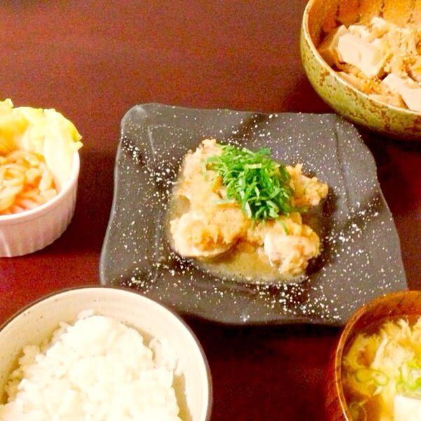 豆腐かぶった。。。 盛り付けも下手くそ(*_*)だめだめですね。まだまだ。 - 5件のもぐもぐ - 鶏肉のみぞれ煮、高野豆腐と切り干し大根の煮物、イカキムチ、くずし豆腐の澄まし汁 by ysao1221