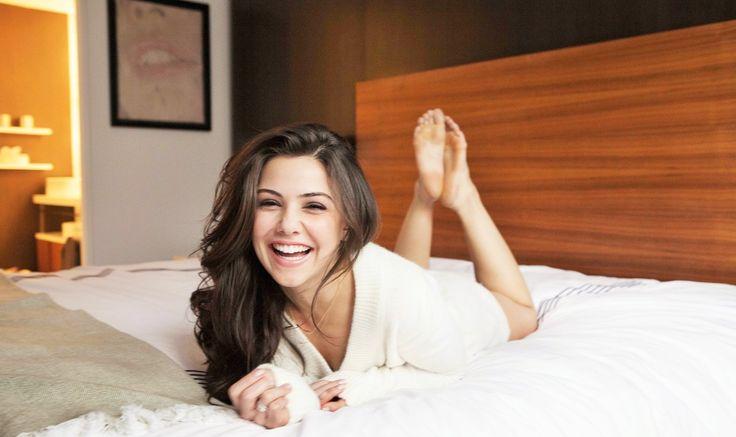 Danielle-Campbell-Feet-1594060.jpg (1200×714)