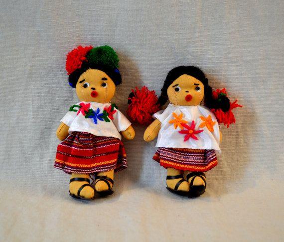 Guatemala   Traditional Dolls - Small Pair