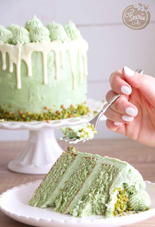 Layer cake à la pistache - Un #mollycake pistache avec une #crèmeaubeurre à la meringue suisse pistache