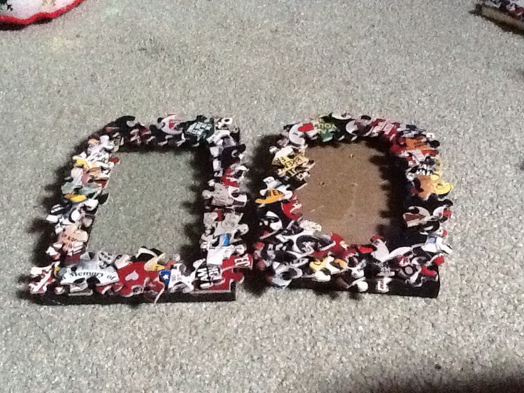My picture frames I decorated with puzzle pieces!