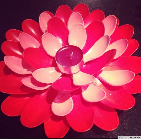25 best ideas about plastic spoon mirror on pinterest for Plastic spoon flower mirror