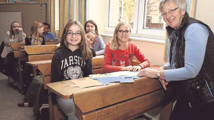 Eschwege. Eine fünfte Klasse hat Vergangenheit und Gegenwart der Schule in ein Puzzle verpackt. Eine siebte Klasse betrachtet das Jubiläum, das die Friedrich-Wilhelm-Schule in dieser Woche feiert, mit einem Blick aus dem Jahr 2065. Das Eschweger Gymnasium besteht seit 175 Jahren.