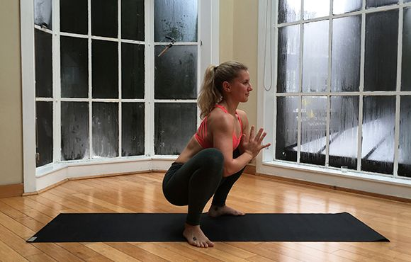 8 Yoga Poses for Tight Hips