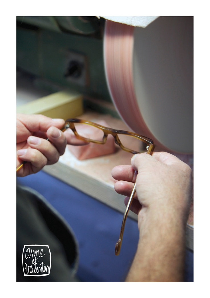 Polishing hand crafted frames for the beautiful collections of French optical brand: Anne et Valentin. - www.eyewearstudio.nl (Benelux Distributor)