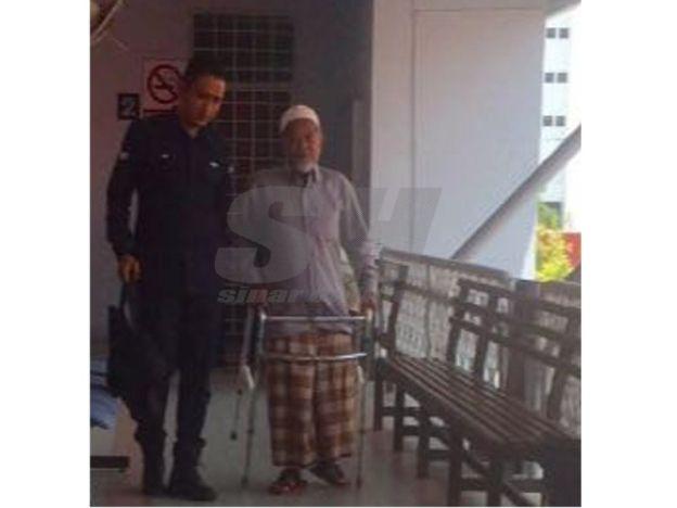 Cabul anak jiran umur 10 tahun pengembala lembu 69 tahun dipenjara 14 hari dan denda RM10 ribu   Padah buat seorang pengembala lembu apabila dihukum penjara 14 hari dan denda RM10000 oleh mahkamah sesyen di sini semalam kerana mencabul seorang kanak-kanak berusia 10 tahun.  Hukuman terhadap lelaki warga emas berusia 69 tahun itu diputuskan Hakim Nazri Ismail.  Nazri turut mengarahkan tertuduh menjalani hukuman penjara tambahan selama tempoh 12 bulan sekiranya gagal menjelaskan denda…
