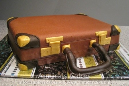 Suitcase cake / koffer taart