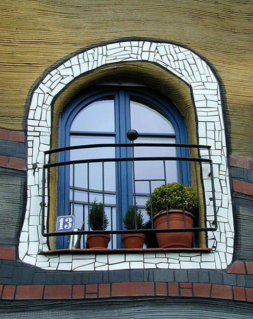 Hunderwasser Haus- Fenster- Wien...