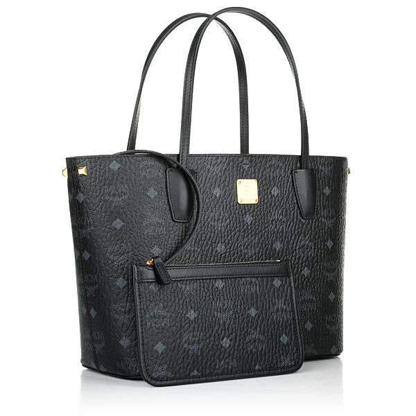 MCM Shopper my dream bag!!!!❤❤ one day.. that will be my wedding present to myself!!❤️❤️