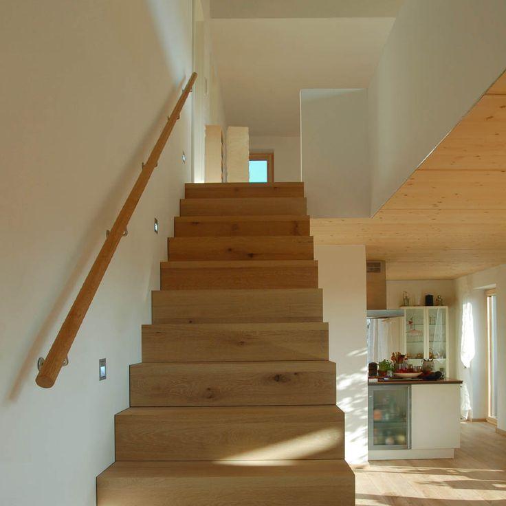 Einfamilienhaus - Qualitätsgeprüftes Passivhaus | w - (Holztreppe mit Galerie)