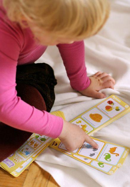 Witajcie w świecie ekscytujących zagadek!     Zagadki CzuCzu to fantastyczne książeczki dla dzieci w wieku 2-3, 3-4, 4-5 i 5-6 lat.   W każdej z nich znajdziemy 150 edukacyjnych zabaw, które pomagają odkrywać świat w pasjonujący sposób.