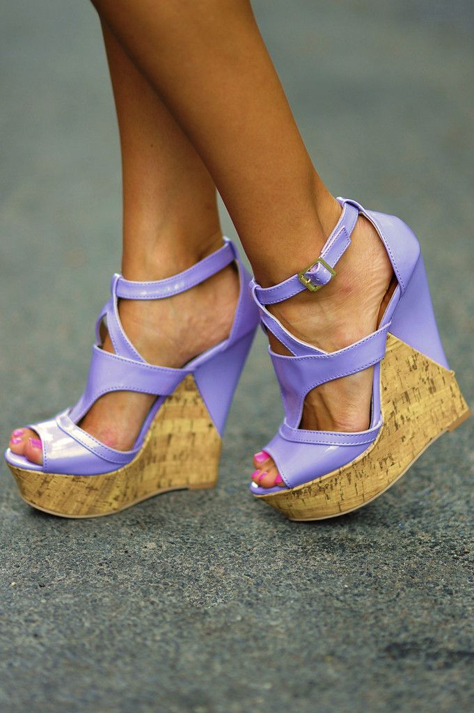 Can't Miss Me Wedges: Lavender Leather