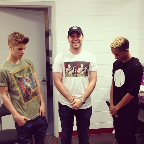 Scooter Braun, Jaden Smith and Justin Bieber Backstage before the concert! Meet and Greet!! (From scooterbraun on Instagram) http://www.starsightings.com/photo/view/149826/2013/28/01/Jaden-Smith,-Justin-Bieber,-Scooter-Braun-Miami,-Florida-AmericanAirlines-Arena.html