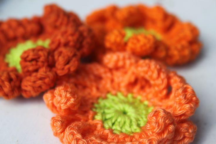 Oranje bloemen ~ haken  ~ gratis patronen