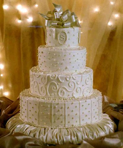 17 Best images about Buttercream Frosting WEdding Cake ...
