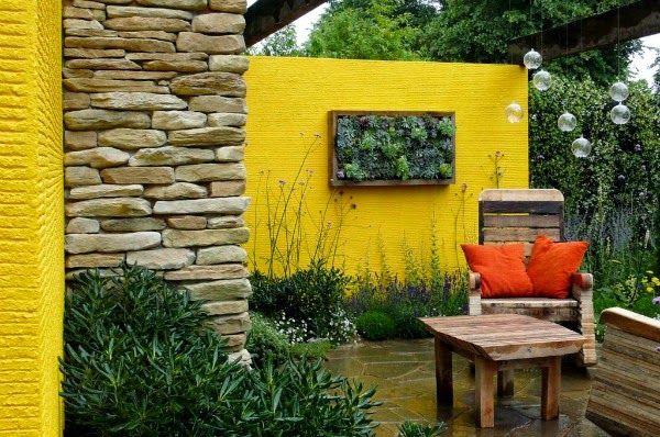 Colores Para Las Paredes Del Patio O La Terraza Guia De Jardin Jardin De Exterior Jardines De Pared Decoracion De Patio